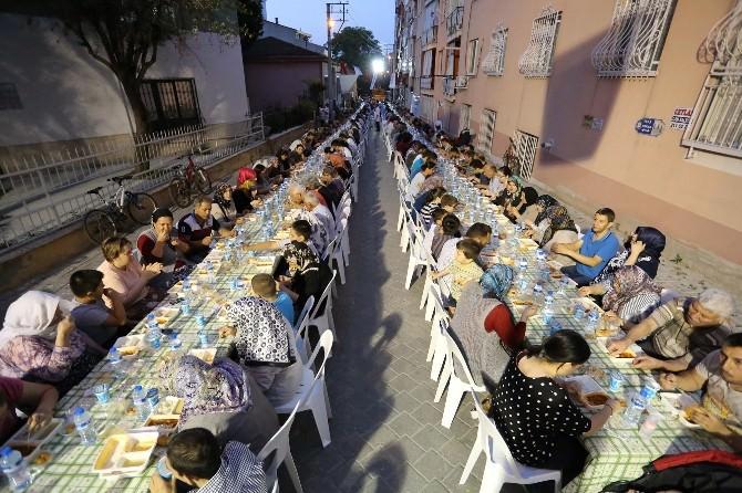 İstiklal Mahallesi'nde Gönül Sofrası Kuruldu