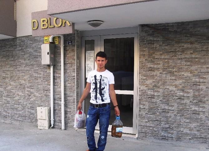 İzmit Belediyesi Vatandaşların Atıklarını Topluyor