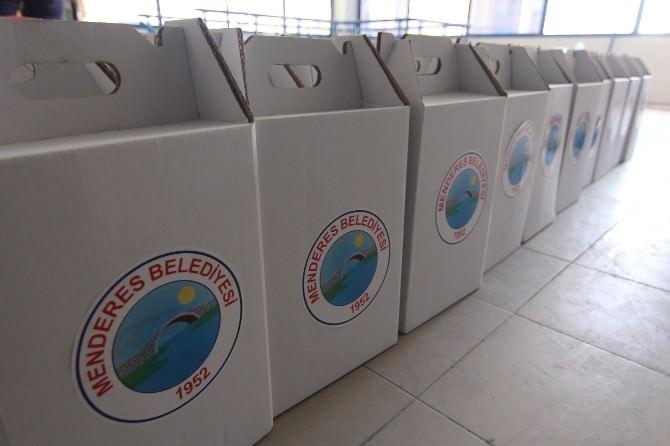 Menderes Belediyesi'nden İhtiyaç Sahibi Ailelere Bayram Yardımı