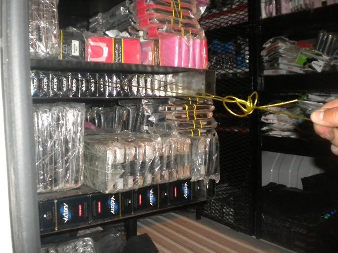 Minibüste 7 Bin 720 Paket Kaçak Sigara Ele Geçti