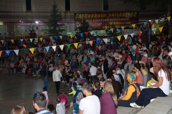 Ramazan Akşamları Mehmet Narin Konseri İle Devam Etti