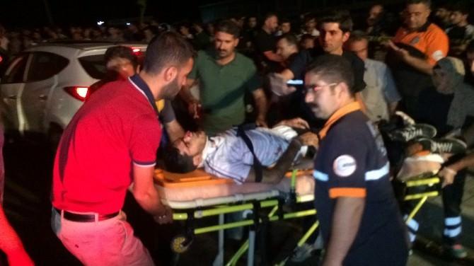 Van'da Trafik Kazası: 15 Yaralı
