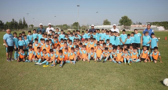 Futbol Okullarına 3 Bin 722 Kişi Katılıyor