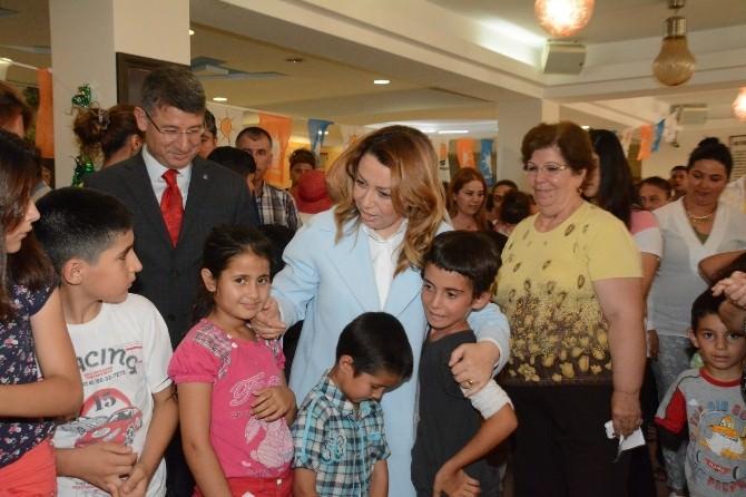 AK Parti'den Çocuklara Bayramlık