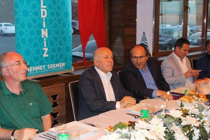 Başkan Sekmen, İftarda Gazetecilerle Biraraya Geldi