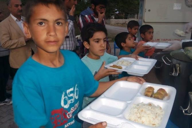 İnönü Belediyesi'nin İftar Programı Kümbet Yeniköylü'de Gerçekleşti