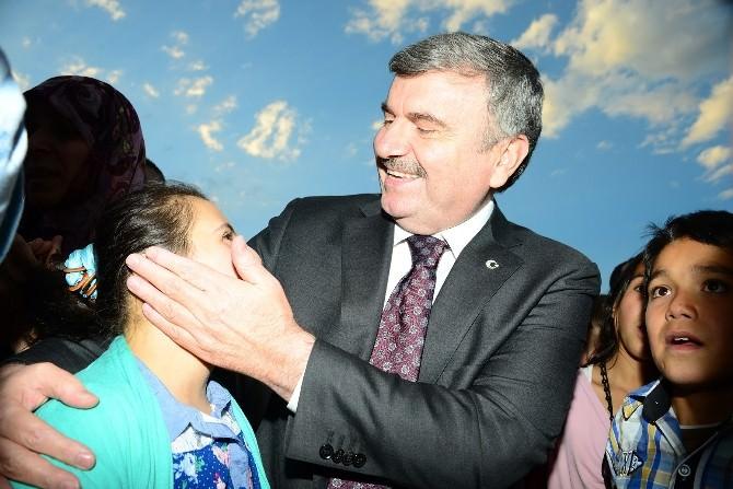 Konya Büyükşehir Belediye Başkanı Akyürek 100 Bin Kişiyle İftarda Buluştu