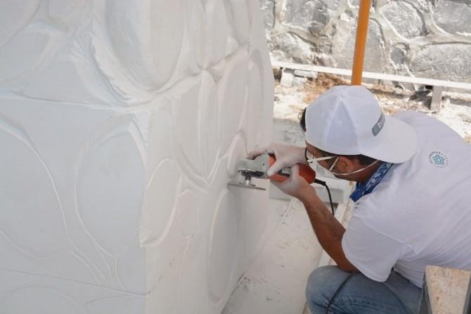 1. Uluslararası Bisanthe Taş Heykel Sempozyumu Yoğun Tempoda Devam Ediyor
