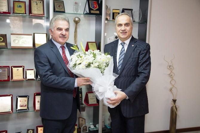 """Başkan Mahmut Kösemusul: """"SAÜ İle Gurur Duyuyoruz"""""""
