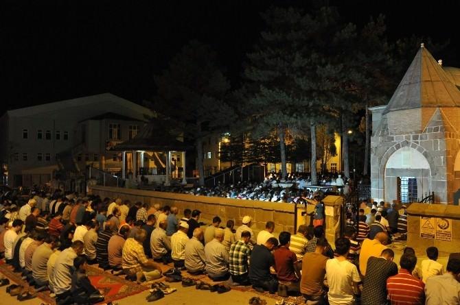 Seydişehir'de Kadir Gecesi Coşkusu