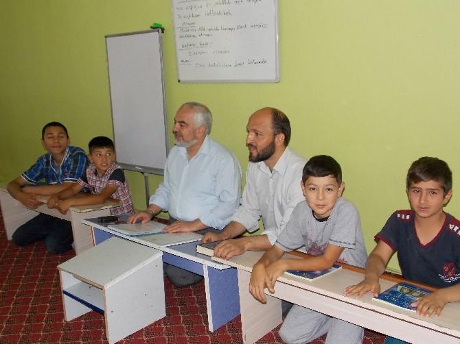 Tercan Müftüsü İsmail Geren'den Yaz Kur'an Kurslarına Ziyaret