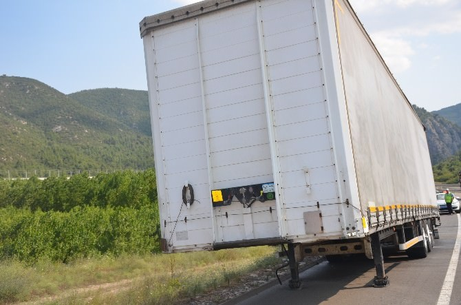 Şoförün Uyanıklığı Tır'ın Alev Almasına Engel Oldu