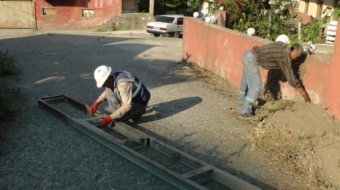 Türkali'de Elektrik Direkleri Yenileme Çalışmaları