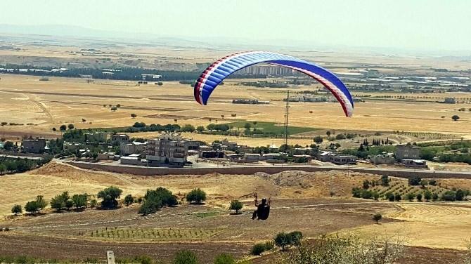Yamaç Paraşütüyle Uçmak İsteyen Vatandaşlar Uçurulacak