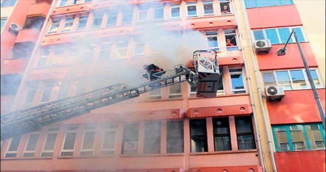 İşyerleri arasında yangın korkuttu