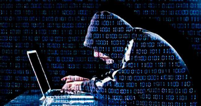 Hacker skandalının altından Paralel çıktı