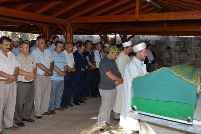 Vali Türker Yusuf Artan'ın Cenaze Namazına Katıldı