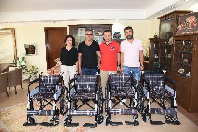 Hayırseverler Tekerlekli Sandalye Bağışında Bulundu