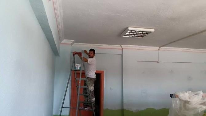 Bozüyük'te Boyacı Timleri Okulları Yeni Döneme Hazırlıyor