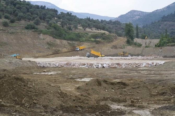 Rahmanlar Barajında Gövde Dolgusu Başladı