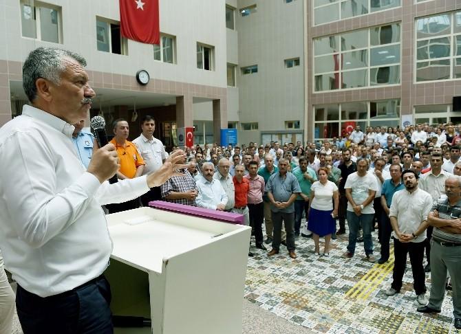 Başkan Zeydan Karalar, Çalışanlarıyla Bayramlaştı