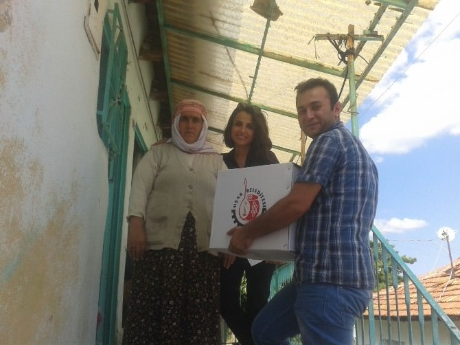 Uşak'ta Bayram Önü Bin 900 Aileye Gıda Paketi Desteği Verildi