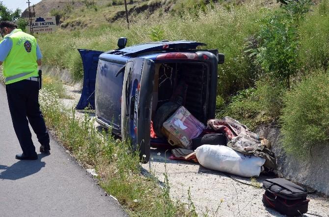 Çorum'da Otomobil Şarampole Uçtu: 3 Yaralı