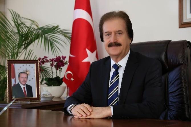 CÜ Rektörü Kocacık'tan Ramazan Bayram Mesajı