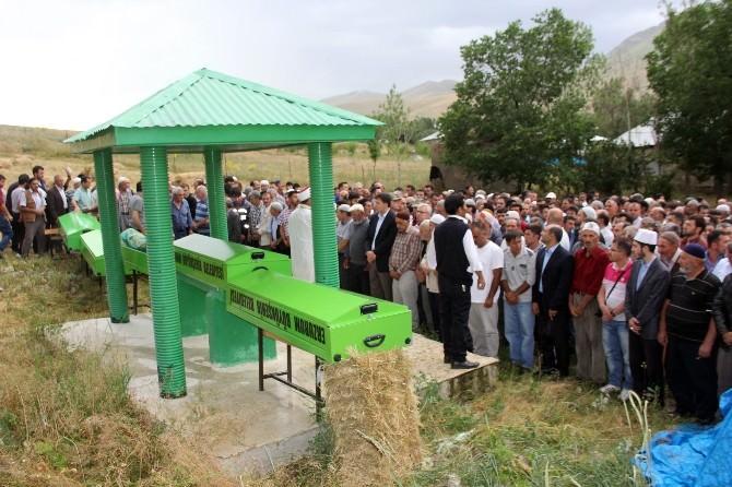 Erzurum'da Kazada Ölen 5 Kişi Toprağa Verildi