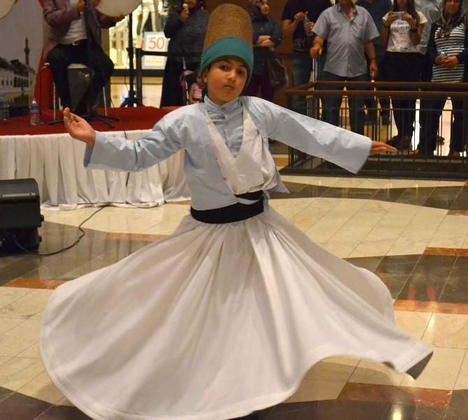 Ramazan Piazza'da Sema Gösterisiyle Uğurlandı