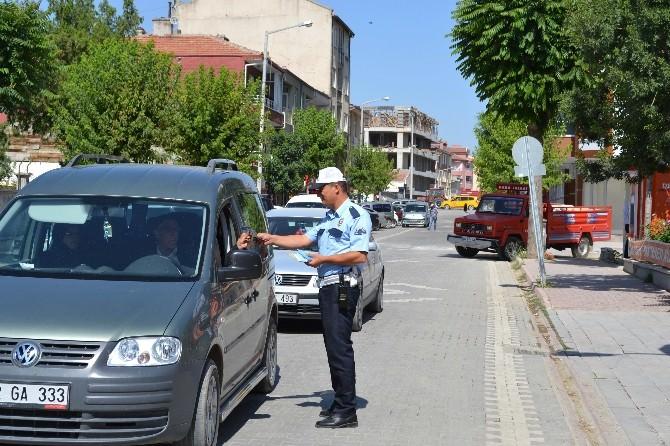 Kulu'da Trafik Polisinden Broşürlü Uyarı