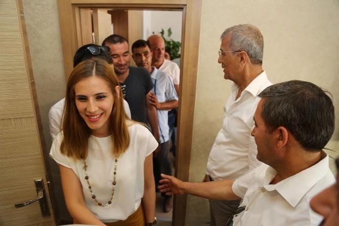 Başkan Tarhan, Belediye Personeli İle Bayramlaştı