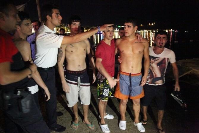 Gençlerin Deniz Eğlencesi Ekipleri Alarma Geçirdi