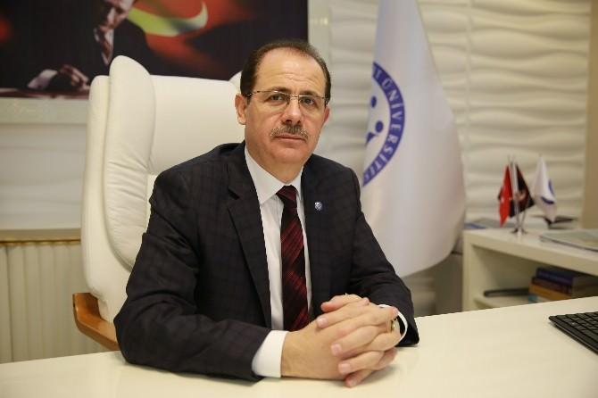 Bayburt Üniversitesi Rektörü Prof. Dr. Selçuk Coşkun'un Ramazan Bayramı Mesajı