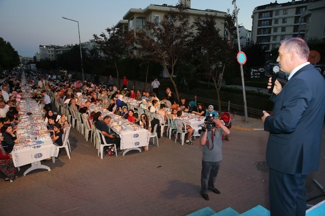 Eyüp Belediyesi Son İftarı Göktürk'te Kurdu