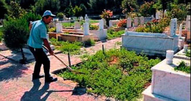 Mezarlıklar bayram ziyaretine hazır