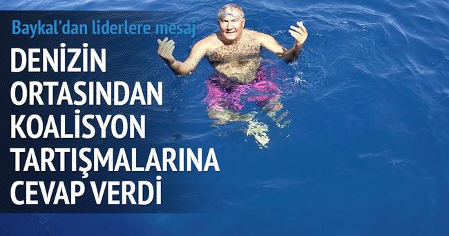 Deniz Baykal'dan liderlere denizden mesaj