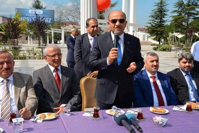 Bilim, Sanayi Ve Teknoloji Bakanı Fikri Işık Vatandaşlarla Bayramlaştı