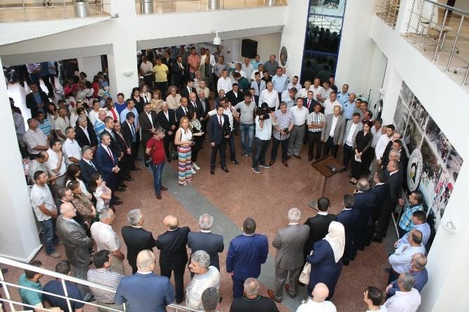 Başkan Keleş, Belediye Personeli Ve Düzcelilerle Bayramlaştı