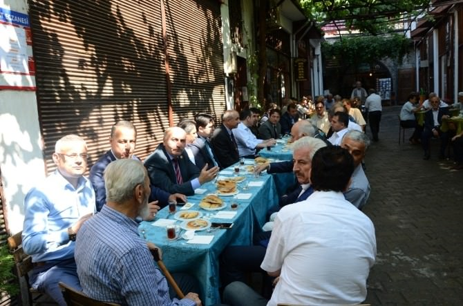 Safranbolu'da Protokol Vatandaşlar İle Bayramlaştı