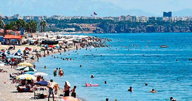 Plajlarda bayram yoğunluğu yaşandı