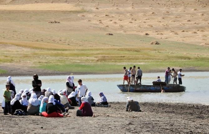 Muş'ta Serinlemek İçin Suya Giren Çocuk Boğuldu