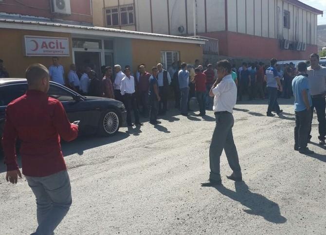 Nemrut Dağı'nda Traktör Devrildi: 2 Yaralı