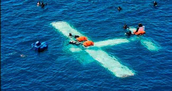 Deniz altında uçak keyfi