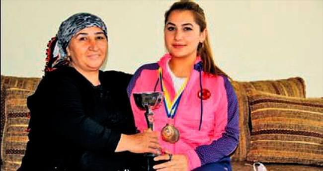 Ankara'nın halterci kızı