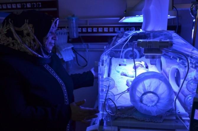 Muhsine Kahraman Bayramı Yeni Doğan Bebekler İle Geçirdi