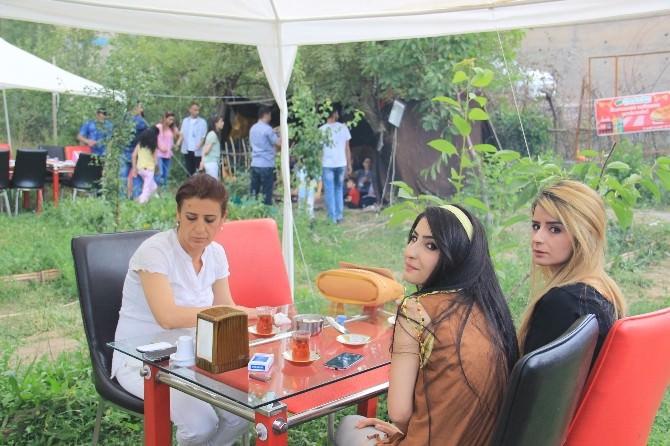 Kır Lokantası Bayram'da Vatandaşlarla Dolup Taştı