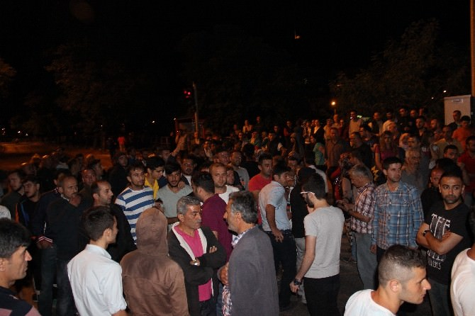 Heyelanzedeler Zonguldak-ankara Yolunu Trafiğe Kapattı