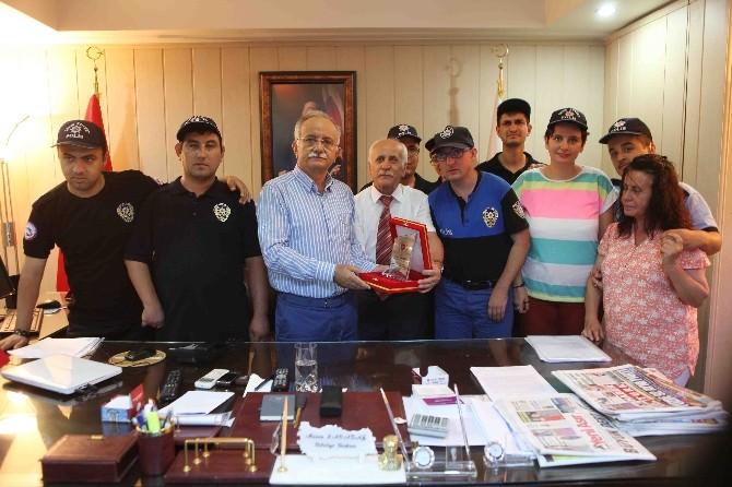 Başkan Karabağ'a Engellilerden Teşekkür Ziyareti
