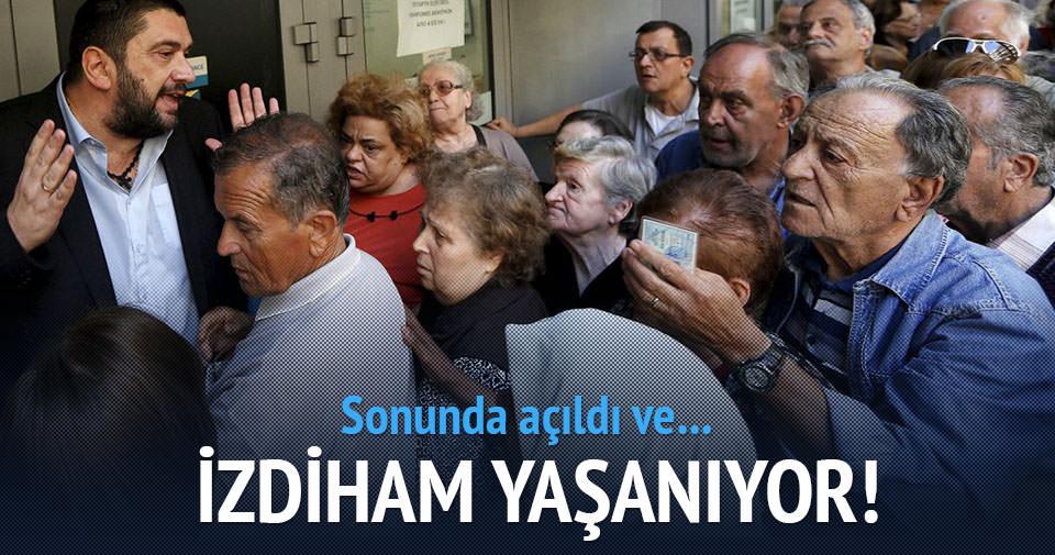 Yunan bankaları açıldı